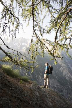 Simone Pedeferri sale Io non ho paura (225m, max 8b+, 7b obl.), aperta con Alberto Marazzi sullo Scoglio della Metamorfosi in Val di Mello