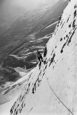 Sabato 11 luglio 2015 l'inaugurazione dell'esposizione 'Creste e pareti del Cervino. 150 anni di storia alpinistica 1865-2015 'che ripercorre 150 anni di eroiche imprese sulla Gran Becca attraverso i volti e le storie di chi le ha compiute, fotografie, oggetti e documenti.