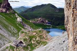 Il Rifugio Lambertenghi – Romanin al Passo Volaia, il Lago Volaia e la Wolayerseehütte (Eduard Pichl Hütte), Alpi Carniche