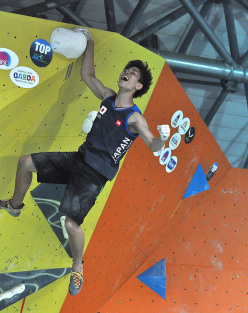 Kai Horada at the World Youth Climbing Championships: Male Boulder Finals