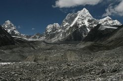 The pyramidal Jobo Rinjang (6,778 meters)  is located just west of Cho Oyu and southwest of Nangpa La Pass