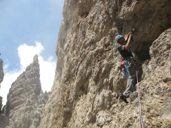 Making the first ascent of La Guerriera (7b, 290m, Luca Cornella, Michel Ghezzi summer 2015) Cima Bassa d'Ambiez, Brenta Dolomites