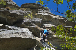 Paolo Seimandi climbing the first pitch of Una questione privata Parete dei Falchi, Valle dell'Orco