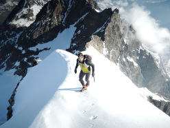 Ueli Steck and the 82 4000ers in the Alps: Piz Bernina Biancograt