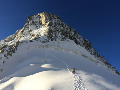 Ueli Steck and the 82 4000ers in the Alps: Aiguille Blanche