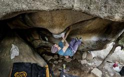 Gabriele Moroni traversa su 'Altri concetti' 8A+, Bosco di Luogosanto, Sardegna