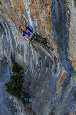 Angela Eiter sulla sua Dream of Triumph 8c+ a Kyparissi, Grecia