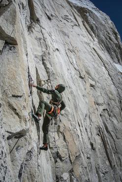 Luca Schiera durante il primo tentativo alla parete Ovest del Bhagirathi IV