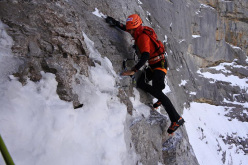 Ueli Steck during his ascent of the North Face of the Eiger in 2:23 on 16/11/2015
