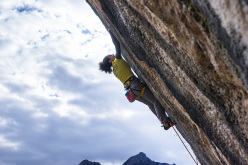 Giorgia Tesio repeating Noi, the 8b+ freed by Andrea Gallo at Andonno