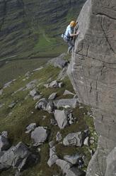 Dave Macleod durante la prima salita di Kolus E8 6c a Seana Mheallan, Torridon, Scozia.