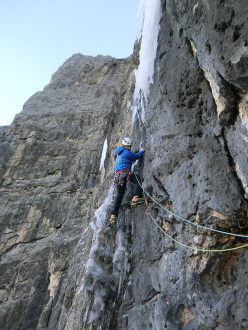 Manuel Baumgartner and Martin Baumgärtner on 30/12/2015 during the probable first ascent of the Mur del Pisciadù Eisfall (V+/M6/WI6), Sella, Dolomites.