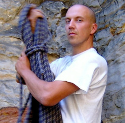 The German barefoot climber Andreas Proft.