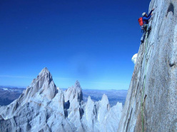 Alex Honnold  leading the north face of Cerro Torre on the evening of 31/01/2016, at roughly the junction of Directa de la Mentira with El Arca de los Vientos Patagonia