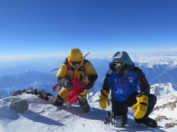 Nanga Parbat in winter: Ali Sadpara and Alex Txikon on the summit on 26/02/2016