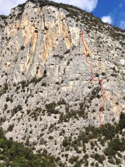 The SE Face of Dain di Pietramurata, Valle del Sarca, Italy and the line of the route Pace in Siria (7a+, 6c+ oblig, 230m, Marco Bozzetta, Francesco Salvaterra 2016)