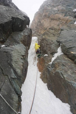 Making the first ascent of Südwandwächter (M5, WI4+, 600m, Vittorio Messini, Matthias Wurzer 05/04/2016), South Face of Großglockner (3798m) Austria