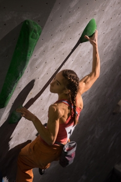 Kajsa Rosén taking part in the Swedish bouldering Championship