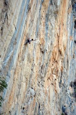 El Arte de Volar (5.12c), one of the most beautiful climbs at Las Bocas