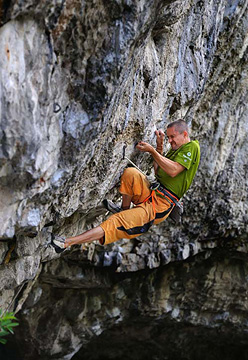 Steve McClure getting to grips with Hubble 8c+, Raven Tor, UK