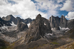 Il magnifico Cirque of the Unclimbables, Northwestern Territories, Canada.