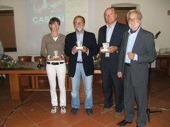 Laura Melesi, l'editore Paolo Bellavite (Premio Speciale) e Giorgio Spreafico con il Direttore del Premio Aldo Larice
