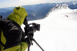 Alessandro Beltrame ha girato un documentario su tutto il percorso di riabilitazione fino alla vetta del Monte Bianco