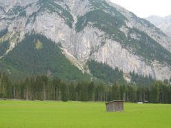 La bellissima vista sulla Chinesische Mauer, Tirolo, Austria.