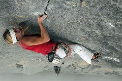Jenny Lavarda climbing Solo per vecchi guerrieri