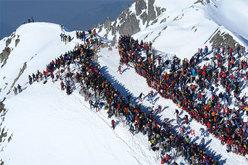 Il pubblico delle grandi occasione per la tappa del Grand Mont alla Pierra Menta 2007.