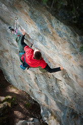Luca Zardini climbing Welcome to the club, Campo and Volpera, Cortina d'Ampezzo