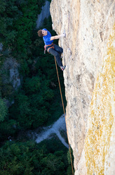 Ekaitz Maiz making the first ascent of his Basapiztien eremua 9a at Extauri, Spain.