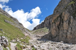 Peitlerkofel: the gorge that leads to the Putia col