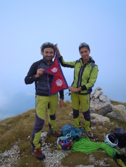 Torvagando for Nepal: Torre dell'Emmele  1795m, Piccole Dolomiti