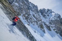 Durante la spedizione 'The wild steep Chauki Dolomites - exploring- steep skiing- speedriding' nelle Dolomiti Georgiane