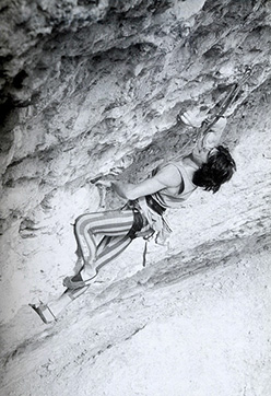 Sandro Neri in a historic photo dating back to 1987: climbing Tucson 8a+ at Erto, Italy.