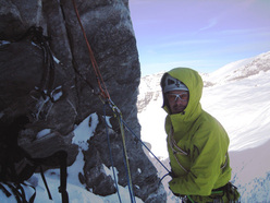 Benedikt Purner on belay after 800m