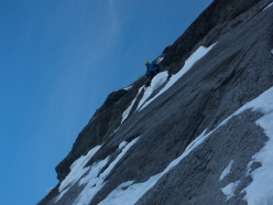 Eiger Metanoia: Roger Schäli climbs the 'dry' pitch straight up from the Hinterstoisser Traverse