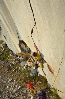Cecilia Marchi climbing the smooth marble in the Nuxis quarry