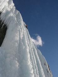 National Park, Canada. La più ricca scelta in fatto di scalate si ha certamente nel National Park. Da Lake Luis guidiamo in direzione Jasper e in circa un'ora raggiungiamo il Monte Wilson, un imponente massiccio sopra la Davis Thomson Highway...