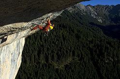 Mario Prinoth climbing Basic Instinct, Val San Nicolò, Dolomites, Italy