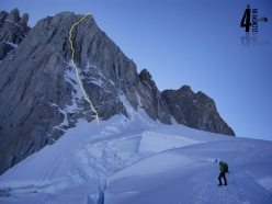 The route line of ¡Aupa 40! up the East Face of Aguja Guillaumet in Patagonia (5+, M7, 85°, 525m, Iker Pou, Eneko Pou, 4/02/2017)