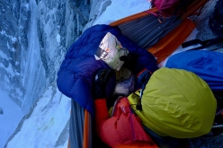 Luka Lindič and Ines Papert during their ascent of No siesta and Bonatti - Vaucher up the North Face of Grandes Jorasses, Mont Blanc (20 - 22/02/2017)