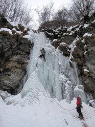 Sulla prima lunghezza della cascata del Wold (Valsesia, Alagna)
