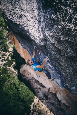 Jacopo Larcher attempting La Rambla 9a+ at Siurana in Spain