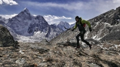 Ueli Steck training in the Khumbu valley, Nepal