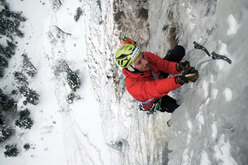 Florian Riegler climbing Gratta e vinci (120m, M10, WI 5) Passo delle Pedale/Mendola, Italy
