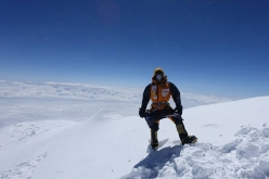 Elisabeth Revol on the pre-summit of Makalu (8445m)