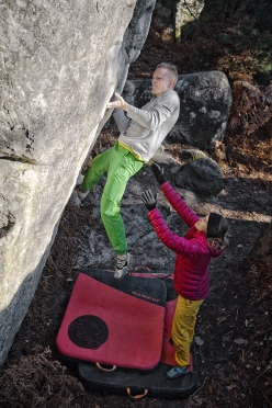Jakob Schubert, spotted by Anna Stöhr, reaching for the famous undercut on C'était demain 8A at Fontainebleau, France