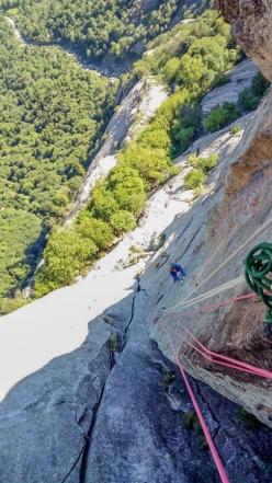 Simone Pedeferri and Luca Schiera making the first ascent of 'Olandese volante' (370m, 7c+/8a), Precipizio degli Asteroidi, Val di Mello, June 2017